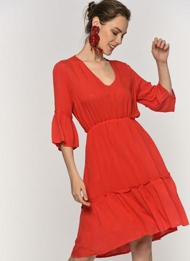 Loves You Volan Detaylı Krinkıl Elbise Kırmızı
